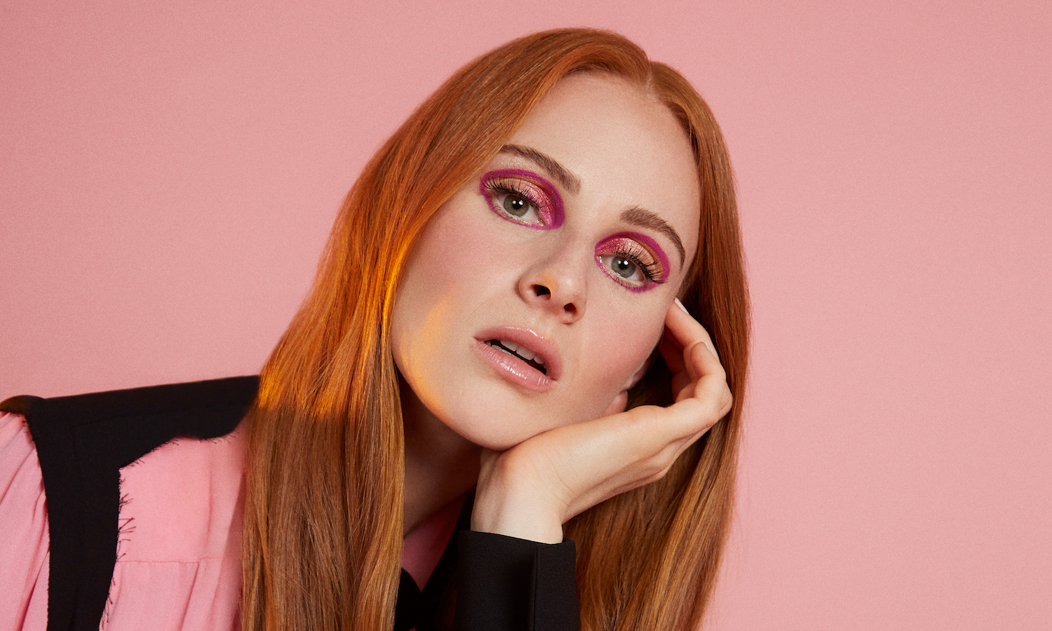 Vera Blue unveils 'Lie To Me' & signs with Republic Records for US